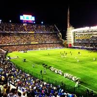 Foto tirada no(a) Estadio Alberto J. Armando (La Bombonera) por Annie K. em 3/4/2013