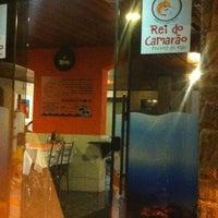 Photo taken at Rei do Camarão by Arthur D. on 4/11/2013