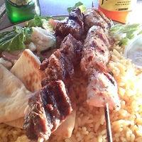 Photo taken at Nikos Steak Burgers & Greek Food by Olinser P. on 9/16/2014