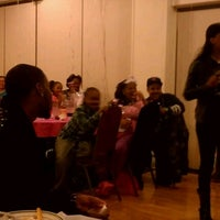 Photo taken at Beggars Pizza by Rasheda D. on 1/20/2013