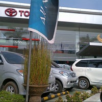 Photo taken at Auto 2000 by ADHe H. on 10/3/2012