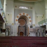 Photo taken at Masjid Jamek Sultan Abdul Aziz by Zikri N. on 4/2/2013