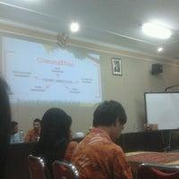 Photo taken at SMA Negeri 3 Malang by Violla F. on 4/25/2013