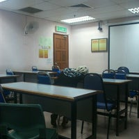 Photo taken at Faculty of Mechanical Engineering by aFiQ on 6/6/2013