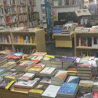 Foto scattata a Libreria Assaggi da Chiara C. il 7/22/2014