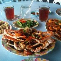 Photo taken at Restoran Masakan Thailand Alahai by Ryzal ☀. on 12/21/2012