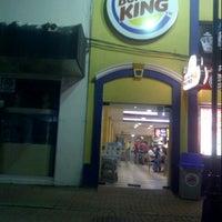 Photo taken at Burger King by josue o. on 1/14/2013
