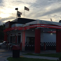 Photo taken at Checkers by Tanja W. on 8/9/2015