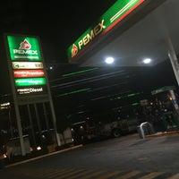 Photo taken at Gasolinería by Damné Jesús on 8/12/2016