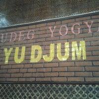 Photo taken at Gudeg Yu Djum by Vicky B. on 3/29/2013