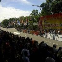 Photo taken at Kantor Gubernur Sumatera Barat by Arfy A. on 6/14/2013