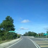Photo taken at Jambatan Kuala Penyu by Fir€L¥nx on 11/15/2013
