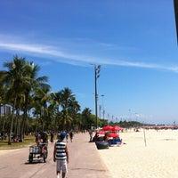 Photo taken at Praia do Flamengo by Leonardo N. on 1/6/2013