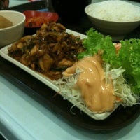 Photo taken at Ume Tei Japanese Restaurant by Nazril on 5/10/2013