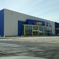 "Photo taken at Toys""R""Us by Deric B. on 1/20/2013"