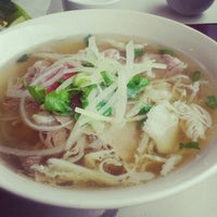Photo taken at Pho Lien by Vi H. on 11/29/2012