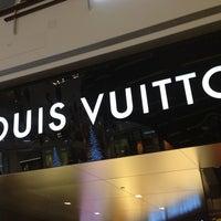 Photo taken at Louis Vuitton Las Vegas CityCenter by Rodrigo A. on 12/29/2012