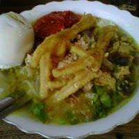 Photo taken at Soto Ayam Kenari-Sriwijaya by didirusl2474 on 1/10/2013