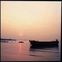 Photo taken at Mum Aroi by Vin T. on 10/13/2012