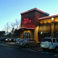 Photo taken at Ruby Tuesday by Glenn C. on 3/22/2013