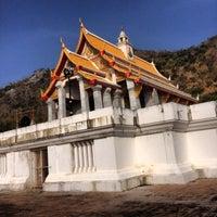 Photo taken at วัดเขาสมโภชน์ by Naphat P. on 12/13/2013