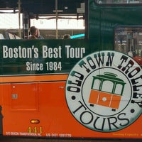 Photo taken at Old Town Trolley Tours of Boston by Chang W. L. on 8/20/2016
