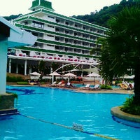 Photo taken at Le Méridien Phuket Beach Resort by Sanputt S. on 12/21/2012