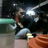 Photo taken at Teh Talua Simpang Presiden by Rick W. on 11/12/2012