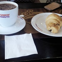 Photo taken at Dunkin Donuts by Anna N. on 10/18/2014