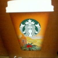 Photo taken at Starbucks by Steven Z. on 8/16/2013