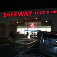 Photo taken at Safeway by Keoni F. on 11/23/2013