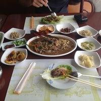 Photo taken at Huwon Restaurante Coreano by Mafher R. on 9/20/2012