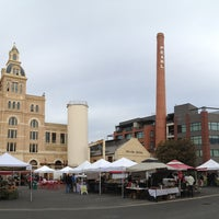 Photo taken at Pearl Farmers Market by Thien G. on 12/29/2012