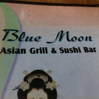 Photo taken at Blue Moon Asian Grill & Sushi Bar by Julia L. on 6/4/2013