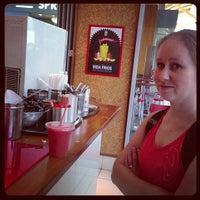 Photo taken at vida e caffè by Huysamen E. on 3/22/2013