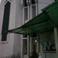 Photo taken at Masjid Asra Albakrie by Dhie Di on 2/13/2013