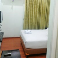 Photo taken at HOTEL MANGKUTO PAYAKUMBUH by Nenez S. on 3/31/2013