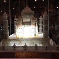 Photo taken at Taj Mahal Restaurant by Gobinath M. on 5/25/2015