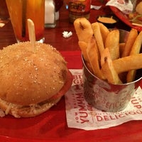 Photo taken at Red Robin Gourmet Burgers by Bina W. on 1/24/2014