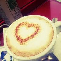Photo taken at Dolce Vita by Mila U. on 9/17/2012