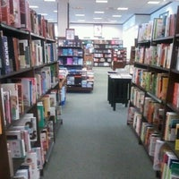 Photo taken at Barnes & Noble by Gary W. on 8/16/2013