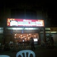 Photo taken at Restoran Duang Dee by Anuar K. on 3/15/2013