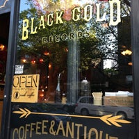 Photo taken at Black Gold Brooklyn by Cat A. on 5/4/2013