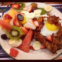 Photo taken at Cora Breakfast & Lunch by Kem on 11/20/2012