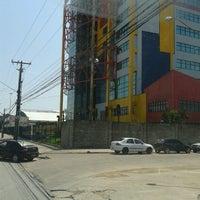 Photo taken at UNIVERSO - Universidade Salgado de Oliveira by Casseteiro # T. on 9/8/2012