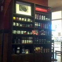 Photo taken at Starbucks by Noo N. on 12/21/2011