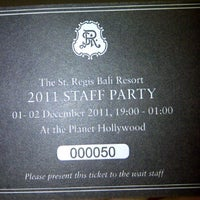 Photo taken at Planet Hollywood Restaurant & Bar by yoga 3. on 12/1/2011