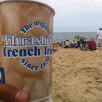 Photo taken at Thrasher's French Fries by Raj T. on 7/28/2011