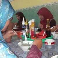 Photo taken at Bakso Solo Kencana by Adityo B. on 8/17/2012