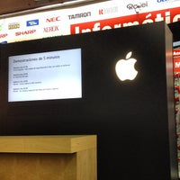 Photo taken at Apple Reseller by Alejandro F. on 8/29/2012